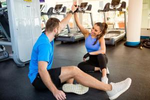 Das Fitnesscenter und/oder die Fitnesseinrichtungen in der Unterkunft Towers Rotana - Dubai
