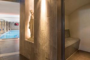 A bathroom at Terre de Provence Hôtel & Spa