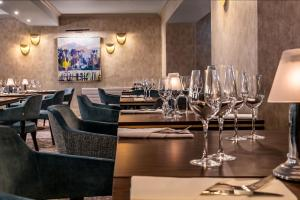 A restaurant or other place to eat at Skiddaw Hotel