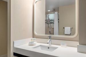 Salle de bains dans l'établissement Homewood Suites Midtown Manhattan Times Square South