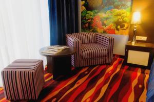 A seating area at Sapar Standart Hotel