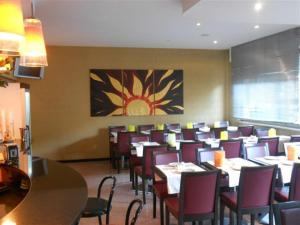 A restaurant or other place to eat at Hotel Valdaso