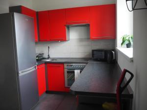 A kitchen or kitchenette at Szybowników 1