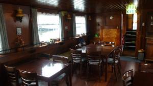 The lounge or bar area at Anna Maria II