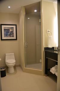 Un baño de Tower Hotel at Fallsview