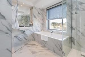 A bathroom at Maryculter House