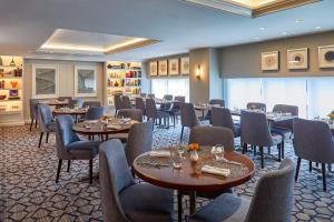 A restaurant or other place to eat at The Lancaster Hotel