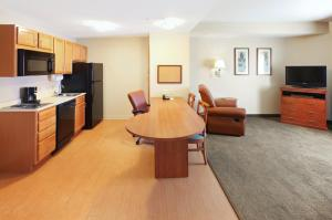 A seating area at Candlewood Suites Conway, an IHG Hotel