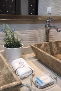 A bathroom at Alreef farm