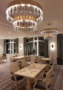 A restaurant or other place to eat at Hotel Beach Palace