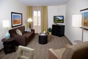 A seating area at Candlewood Suites Vestal - Binghamton, an IHG Hotel