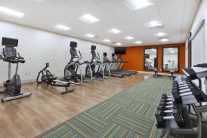 The fitness center and/or fitness facilities at Holiday Inn Express & Suites - Painesville - Concord, an IHG Hotel
