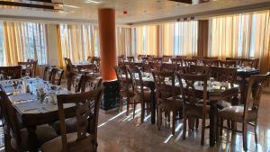 Restaurant ou autre lieu de restauration dans l'établissement Sunset Hotel