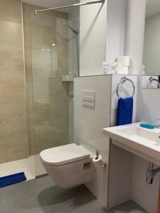 A bathroom at Alameda de Jandía