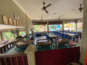 A restaurant or other place to eat at Redang De' Rimba