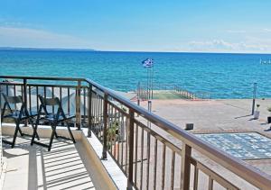A balcony or terrace at Studio Orestis