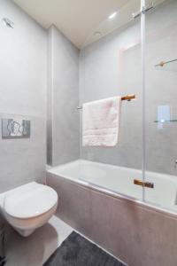 A bathroom at Ok Hostel Madrid
