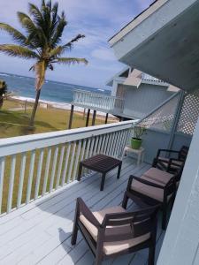 A balcony or terrace at Sealofts On The Beach