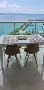A balcony or terrace at Cloc Marina Residence