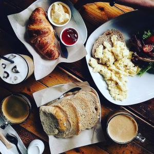 Breakfast options available to guests at Kim Haus Loft