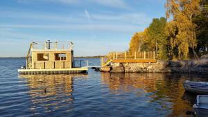 Poolen vid eller i närheten av Sjöstugans Hotell & Camping