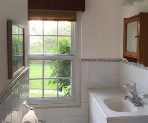 A bathroom at Greenbank Guest House