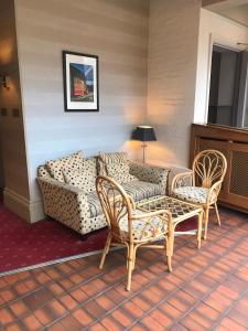 A seating area at Belmont Hotel Leicester