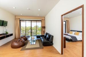 Ein Sitzbereich in der Unterkunft Xanadu Beach Resort