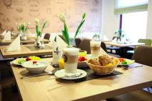 Breakfast options available to guests at City Partner Hotel Berliner Hof