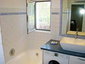 Een badkamer bij Holiday Home Villa Les Fourches