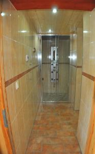Ein Badezimmer in der Unterkunft WaldLuftIn