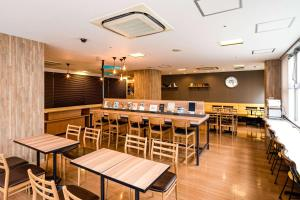A restaurant or other place to eat at Comfort Hotel Hiroshima Otemachi