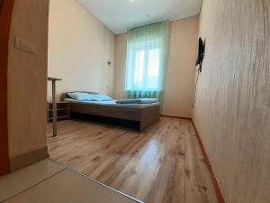 Letto o letti in una camera di Nice hostel