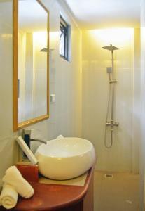 A bathroom at Villa Israel Eco Park