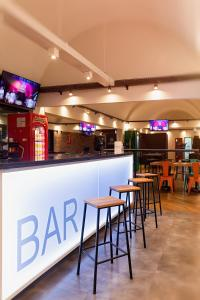 A restaurant or other place to eat at ibis Styles Rio Preto Monte Libano