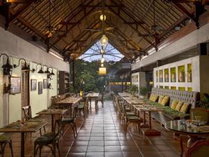 مطعم أو مكان آخر لتناول الطعام في ألايا ريزورت أوبود
