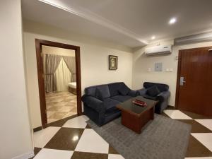 Uma área de estar em Aldana Alhezam aldaeri