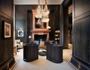 The lobby or reception area at Kimpton - Fitzroy London, an IHG Hotel