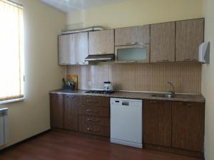 A cozinha ou cozinha compacta de Villa Ahmad