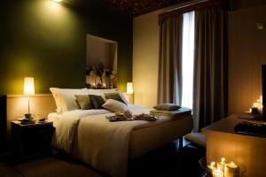 A bed or beds in a room at Albergo D'italia