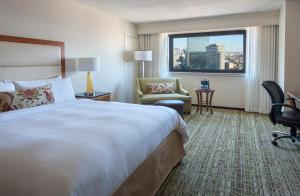 A bed or beds in a room at Boston Marriott Copley Place