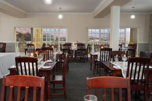 A restaurant or other place to eat at Mont d'Or Clarens