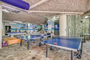 Ping-pong facilities at Dunes Village or nearby