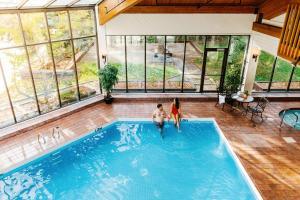 The swimming pool at or near Chateau Jasper