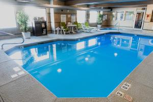 The swimming pool at or near Explorer Cabins at Yellowstone