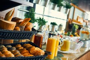 Breakfast options available to guests at Dorint City-Hotel Salzburg