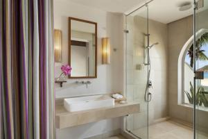 A bathroom at Avani Quy Nhon Resort