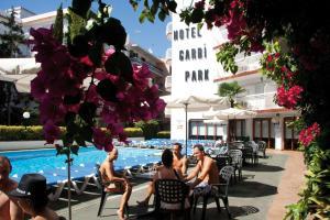 Het zwembad bij of vlak bij Hotel Garbi Park & AquaSplash
