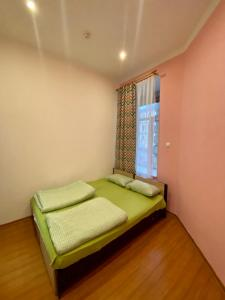 Кровать или кровати в номере Simple EveRest hostel