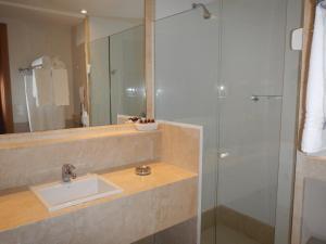 A bathroom at Hotel Atlântico Rio